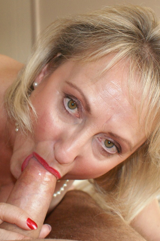 Slut sarah from birmingham pisses in bucket - 3 part 3