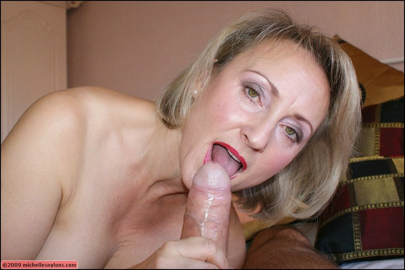 mature blonde blow
