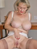 Big-assed old beauty addicted to the touch of nylon does very intimate solo show