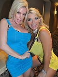 Vicky Vette eagerly eats out and fingerbangs her friend Diamonds tight snatch